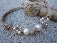 Collar de lino, xl perlas fantasia , perlas plateadas y nudos http://www.artesanum.com/artesania-collar_de_lino_xl_perlas_fantasia_perlas_plateadas_y_nudos-194234.html