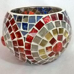 Lámpara para vela  Ser Hecho a Mano mosaico en vidrio Mosaic Planters, Mosaic Birdbath, Mosaic Flower Pots, Mirror Mosaic, Diy Mirror, Mosaic Glass, Stained Glass, Mosaic Crafts, Mosaic Projects