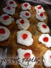 Κανταΐφι φωλίτσες #sintagespareas Greek Sweets, Greek Desserts, Party Desserts, Greek Recipes, Greek Pastries, Confectionery, Truffles, Syrup, Sweet Treats