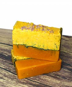 This red palm soap recipe is made using virgin red palm oil that's naturally high in Vitamin E & antioxidants and mineral rich Hawaiian Alaea Red Sea Salt.