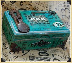 Gypsies Journal: projects & inspiration: creations of Cigar Box Projects, Cigar Box Crafts, Altered Tins, Altered Bottles, Altered Books, Altered Art, Cute Box, Pretty Box, Cigar Box Art