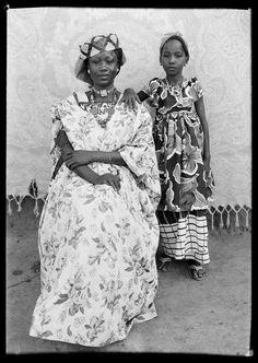 beautiful mother and her daughter: Photog. Seydou Keïta. Mali, West Africa.