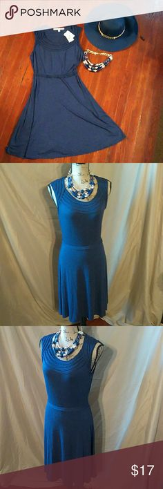 Max Studio Cotton Dress Cotton stretch material great dress for work or happy hour after work with a blazer/ cool accessories Brand New Max Studio Dresses Midi
