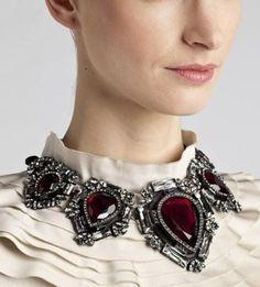 Maxi colar vitoriano com cristais