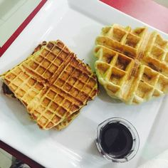 #Aboutlastnight with @d.o.f.e Breakfast for dinner @micoschickennwaffles French toast style waffle and Waffle chicken  #outandabout #livinginlekki #lekki #Dinner #Breakfast #waffle #waffleandchicken #wafflechicken #frenchtoast #foodinlagos #food #breakfastideas #livinginlekki #lekki