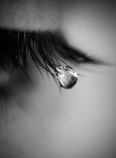 Ideas eye crying photography beautiful for 2019 Crying Eyes, Tears In Eyes, Sad Eyes, Dark Photography, Creative Photography, Black And White Photography, Portrait Photography, People Photography, Photo Oeil