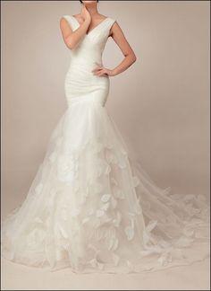 Extravagant, vintage-inspired mermaid wedding gown