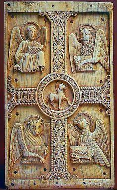 XI siècle, Metropolitan Museum à New York. Les 4 évangiles ,Le verseau, le lion,le taureau et le scorpion devenu l'aigle.entourant le jeune bélier,(agneau).