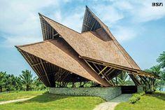 Atraksi Seni Dalam Ruang Bambu | Majalah Griya Asri
