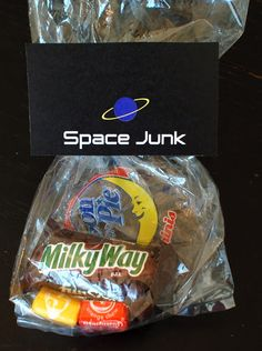 Space Junk! Alien Party, Astronaut Party, Sommer Pool Party, Sistema Solar, Space Baby Shower, You Are My Moon, Outer Space Party, Moon Party, 2nd Birthday Parties