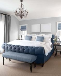 Sea-inspired bedroom using blue and grey mixture