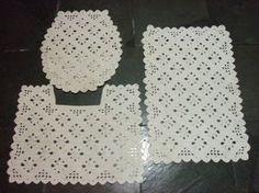 Lindo Jogo de banheiro em crochê feito pela Auta Rangel JOGO DE BANHEIRO EM CROCHÊ-GRÁFICOS