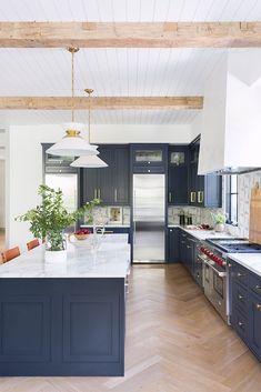 Navy Blue Kitchen Cabinets, Blue Kitchen Island, Navy Cabinets, Navy Blue Kitchens, Kitchen Living, Kitchen Decor, Blue Kitchen Ideas, Blue Kitchen Inspiration, Two Tone Kitchen