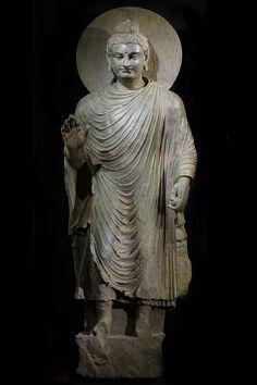 LARGE GANDHARAN STANDING BUDDHA   Gandhara