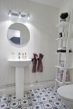 Steghylla för handdukar, papper, bl.a