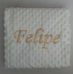 Seguimos bordando un montón de mantas como la de Felipe ahora que llegado el frio#mantabordadabebe #canastillasbebe #bastidores #babero #toallaspersonalizadas