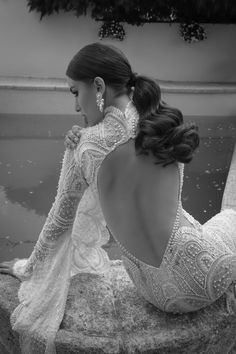 WedLuxe – Oved Cohen 2016 Collection |  Follow @WedLuxe for more wedding inspiration!