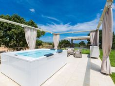 Atsipopoulo house rental - The terrace is complemented by a huge, 5 seater Jacuzzi! 3d Bathroom Design, Bathroom Design Software, Modern Bathroom Sink, Bathroom Fixtures, Whirlpool Bathtub, Jacuzzi, Terrace, Villa, Treehouse