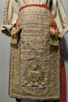 Folk Costume, Costumes, Folk Art, Dress Up Clothes, Popular Art, Costume, Fancy Dress, Suits