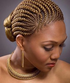 All styles of box braids to sublimate her hair afro On long box braids, everything is allowed! For fans of all kinds of buns, Afro braids in XXL bun bun work as well as the low glamorous bun Zoe Kravitz. Box Braids Hairstyles, African Hairstyles, Girl Hairstyles, Black Hairstyles, Protective Hairstyles, Protective Styles, Oscar Hairstyles, Teenage Hairstyles, Updo Hairstyle