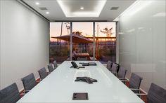 Grey Brasil   meeting room 1  Lighting Design Lit Arquitetura de Iluminação  photo Nelson Kon  arch Sergio Camargo Arquitetos Associados