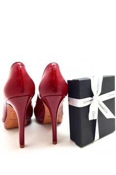 La moda española celebra el amor y se suman a la celebración de San  Valentín con las más dulces propuestas. vía  FashionFromSpain 3df501ff052c