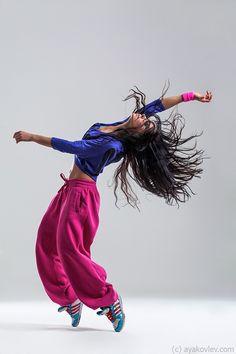Sporty dancer by Alexander Yakovlev, via 500px