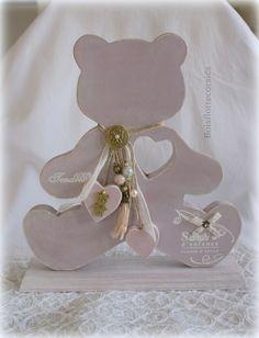 """- Ourson """"Teddy"""" en bois chantourné puis patiné. Rose tendre . Sur socle : Chambre d'enfant, de bébé par boisflottecorsica"""