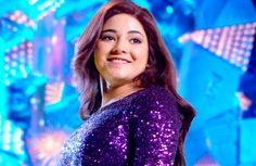 Secret Superstar has not only crossed 500 crores in China but also looking to touch 700 crores gross collections in the lifetime. In a mainland China, Aamir Khan starring film. Zaira Wasim, Box Office Collection, Zara, Aamir Khan, Bollywood Stars, Beautiful Actresses, Superstar, Desi, Dressing