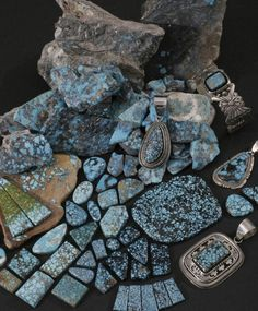Indian Mountain is the best known of the contemporary mines originally… Turquoise Art, Vintage Turquoise, Turquoise Jewelry, Turquoise Stone, Native American Tribes, Native Americans, Silver Jewellery Indian, American Indian Jewelry, Southwestern Jewelry