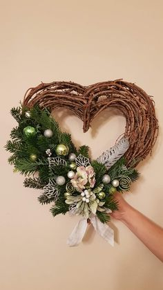 Christmas Wreaths, Holiday Decor, Home Decor, Christmas Swags, Homemade Home Decor, Holiday Burlap Wreath, Interior Design, Home Interiors, Decoration Home