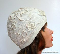 Vintage 1950s-1960s Swim Bathing Cap Cream Roses Rosettes Pin-Up I think my mom had one just like that!!
