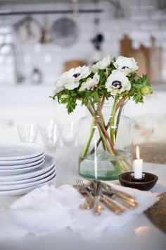 joulu arkistot - Page 4 of 117 - Uusi Kuu Christmas Flowers, Simple Christmas, Christmas Decorations, Table Decorations, Table Diy, Beautiful Table Settings, Other Space, Merry And Bright, Bed And Breakfast