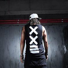http://g03.a.alicdn.com/kf/HTB1yOOeIpXXXXcOXFXXq6xXFXXXt/New-Fashion-Long-Design-Tank-Top-Men-100-Cotton-White-Hip-Hop-Streetwear-Sports-Vest-Regata.jpg