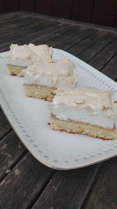 Bedstefars skæg med rabarberfyld | amatoerkokken Cook N, Actifry, Danish Food, Cakes And More, Vanilla Cake, Cheesecake, Food And Drink, Sweets, Snacks