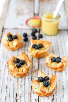 Lemon Blueberry Tartlets -- these sweet little lemon blueberry tartlets are easy to assemble, the perfect simple spring dessert!