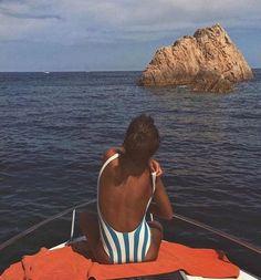Image about girl in Meu estilo by Summer Vibes, Summer Feeling, European Summer, Italian Summer, Summer Dream, Summer Of Love, Man Summer, Poses, Swimsuits