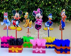 Mickey Mouse Clubhouse birthday party wood guest table centerpiece decoration Pluto Daisy Goofy Minnie Mickey Donald SET OF 6