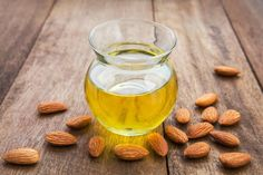 Ways to use almond oil for hair loss. Easy ways to use almond oil for hair. Top benefits of almond oil for hair. How to apply almond oil for healthy hair? Almond Oil Uses, Sweet Almond Oil, Almond Butter, Dark Knuckles, Almond Benefits, Oil Benefits, Health Benefits, Cooking Oil, Cooking Light