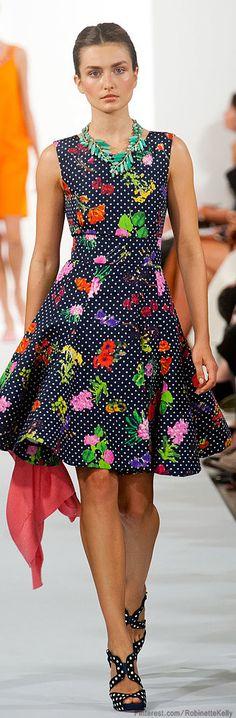 Oscar de la Renta | S/S 2014I WHAT A BEAUTFUL DRESS! I REALLY LOVE THIS DESIGNER!