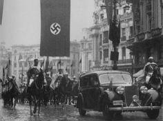 Enero de 1943, cuando, en plena II Guerra Mundial, llegó a Madrid el nuevo embajador alemán, Hans von Moltke para ser recibido por Franco en el Palacio Real (foto histórica que da yuyu)