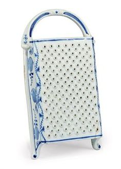 AN ENGLISH PORCELAIN GRATER    LATE 18TH C  $311