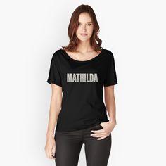 'Hi, I dont care.' Loose Fit T-Shirt von Graphic T Shirts, T Shirt Chat, My T Shirt, Shirt Print, Shirt Shop, T-shirt Gamer, Loose Fit, Dislike, Medical Student