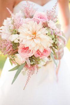 Blumenstrauss, Brautstrauss, Hochzeit, rosa und apricot