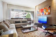 Inmofinders pisos en venta zona Turo Park Barcelona Barcelona Apartment, Apartments, Flat Screen, Couch, Park, Furniture, Home Decor, Flats, Settee