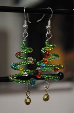 Christmas Tree Earrings SO CUTE by emilymbongoriginals on Etsy, $8.00