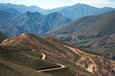 Camino a Iruya, Salta. Accesible desde la Quebrada de Humahuaca y del Tramo final de la Ruta 40