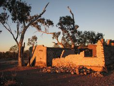 House made out of beer cans, Lightning Ridge Homemade Beer, Beer Cans, Lightning Ridge, How To Make Beer, House Made, Beer Brewing, Extended Play, Australia Travel, Making Out