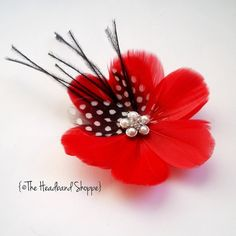 Exquisite Feather Flower...gonna have to use this in some of my latest creating!!