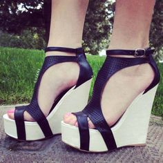 Uploaded by Find images and videos about shoes, wedges and wedge sandals on We Heart It - the app to get lost in what you love. Crazy Shoes, Me Too Shoes, Shoe Boots, Shoes Heels, Mode Shoes, Beautiful Shoes, Wedge Sandals, Strappy Sandals, Fashion Shoes